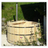 Round bathtubs