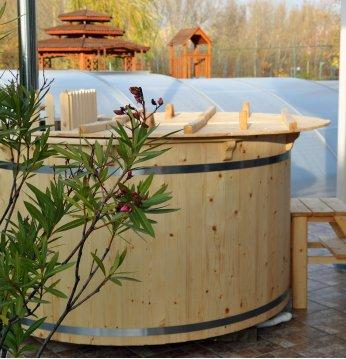 Spruce hot tub, 160cm..