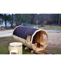 Saună într-un butoi din lemn de molid, la 2 m