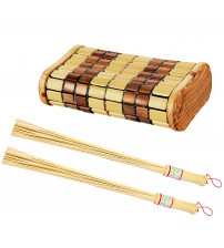 Set aus Kopfstütze und Bambusbesen