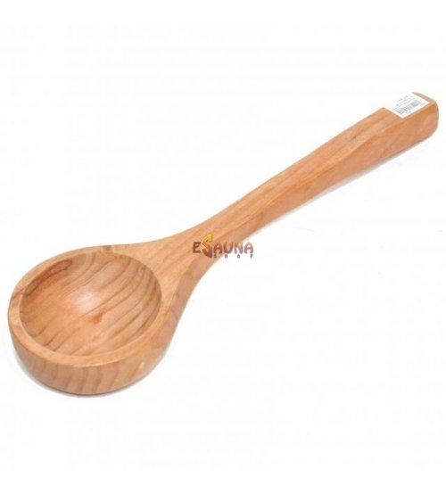 Lesena zajemalka